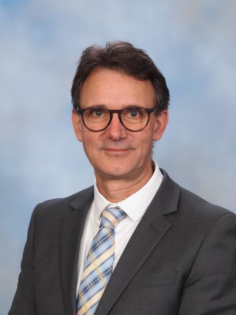 Peter Karamoshos